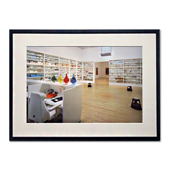 Damien Hirst_Pharmacy
